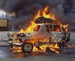 действия при аварии или пожаре в автомобиле