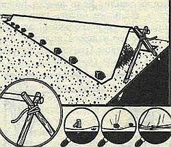 треугольный шалаш-убежище