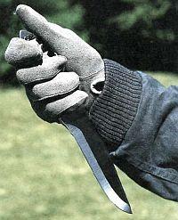 формы рукоятки боевого ножа