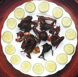 Употребление в пищу мяса летучих мышей, блюда из летучих мышей, рецепты летучих мышей, жаренные в масле, гриле или на шампуре, экстремальная кухня